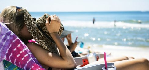 5 Mobile Marketing Tips to Reach Your Customers During Summertime Featured Image