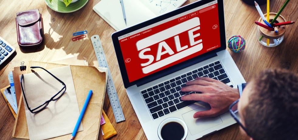 Last minute sale in lap top monitor