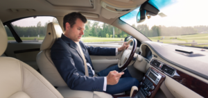 50 Texting and Driving Statistics that Will Give You Goosebumps
